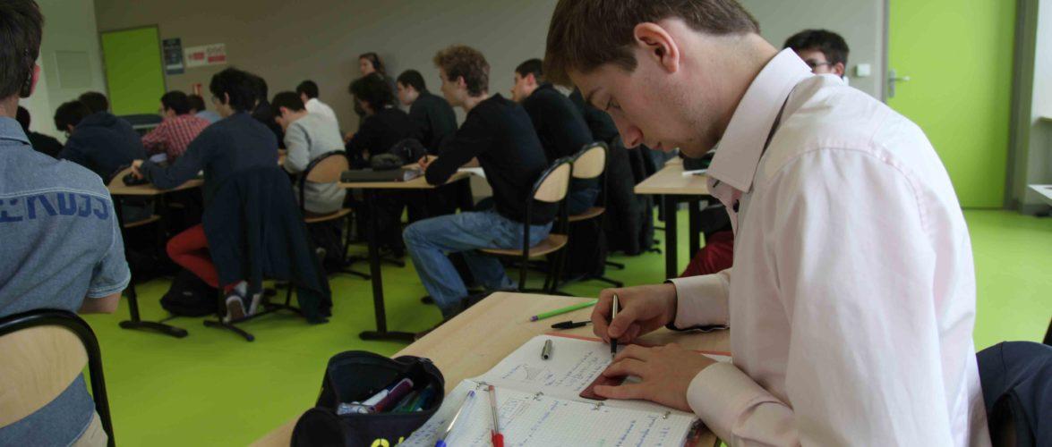 Pour-Clement-l-attention-est-a-son-comble-en-cours-de-mathematiques.